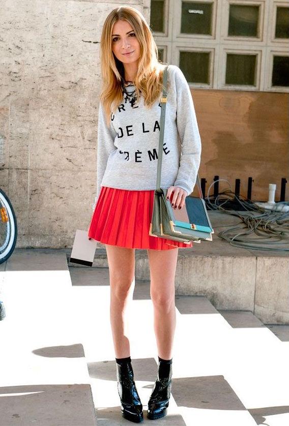 red-pleated-miniskirt