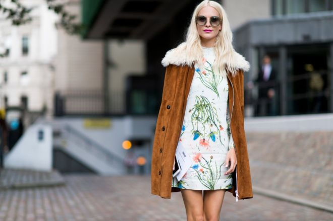 fall-dresses-fall-florals-suede-jacket-fur-shearling-70s-boho-poppy-delevingne-lfw-street-style-elle.com_