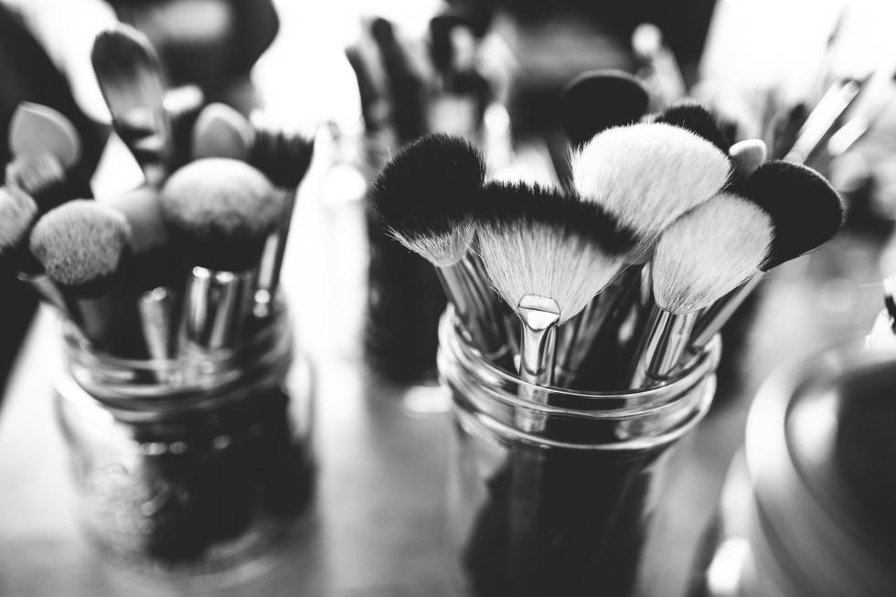 brushes-1837192_1920